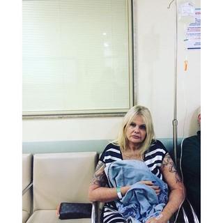 Monique Evans no hospital (Foto: Reprodução/Instagram)