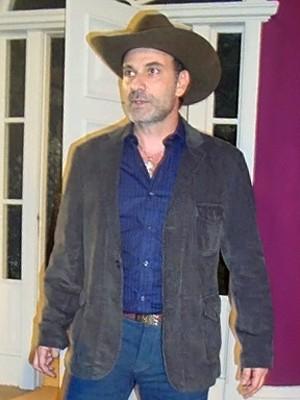 Marco Ricca chega para participação em Cheias de Charme (Foto: Cheias de Charme / TV Globo)
