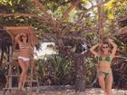Thaila Ayala e Fiorella Mattheis posam de biquíni em Trancoso