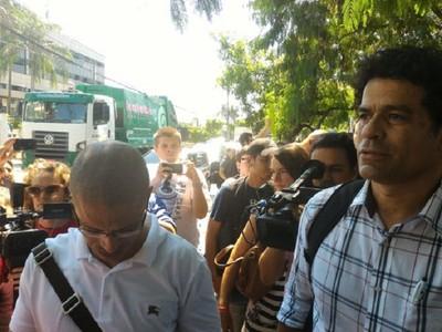 Alex Raí protesto CBF (Foto: Vicente Seda)