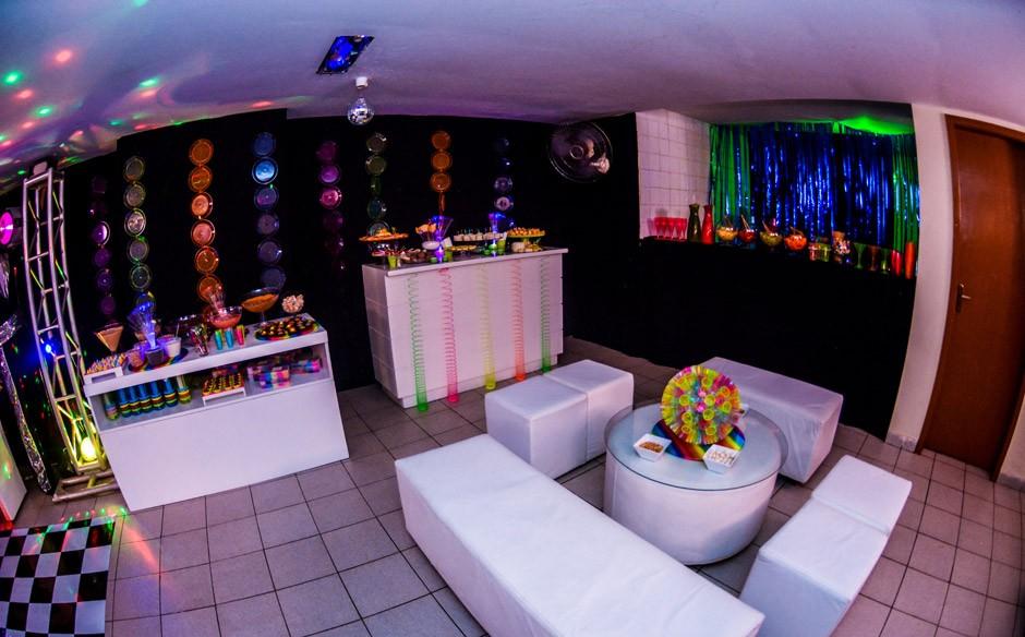 Top Festa infantil com o tema de discoteca néon no 'Fazendo a Festa  RZ42