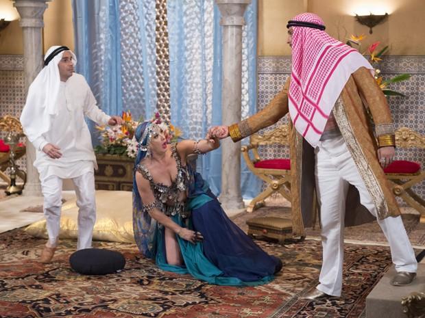 Rei Mohammed anuncia missão para Pepito e Samantha (Foto: Alex Carvalho/ TV Globo)