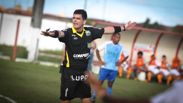 Árbitro Ricardo Barreto vai disputar a Volta de Aracaju (Foto: Filippe Araujo/Divulgação)