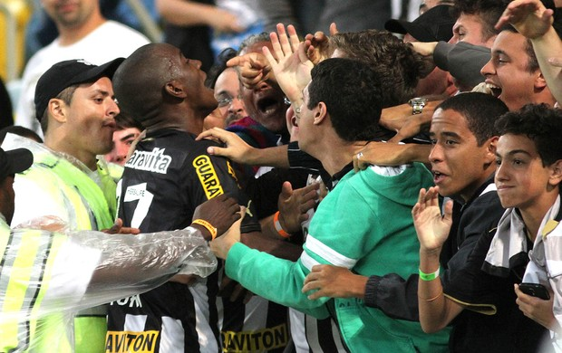 Hyuri comemoração do Botafogo contra o Coritiba (Foto: Vitor Silva / SSPress)