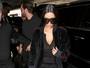 Kim Kardashian usa anel na boca e dispensa joias poderosas nos dedos