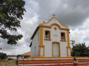 Foi na capela de Santo Antônio, na entrada de Buenos Aires, que padre comparou clima das cidades (Foto: Katherine Coutinho / G1)