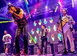 Falamansa lança CD com música às vítimas de Mariana em show no DF