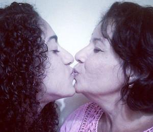 Rafaela e a irmã foram adotadas pelos tios (Foto: Arquivo Pessoal)