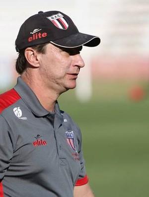 Ivan Baitello entende críticas da torcida e diz que time precisa vencer para ficar em paz (Foto: Rogério Moroti/Ag. Botafogo)