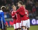 Nicklas Bendtner marca três vezes, e Dinamarca vira no fim contra os EUA
