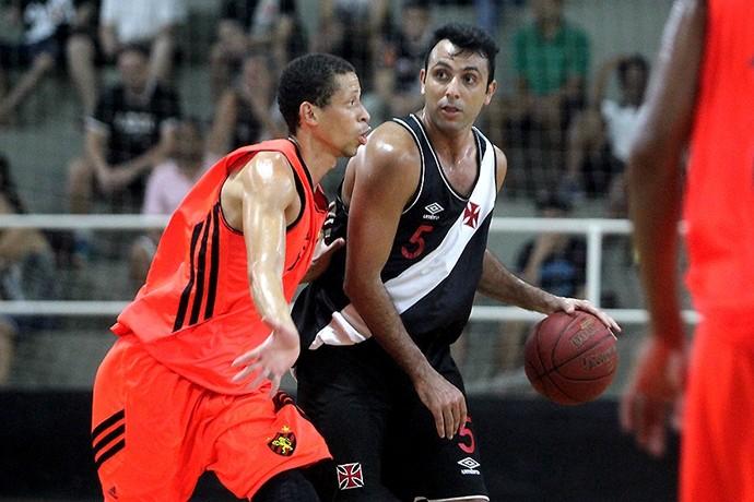 Vasco x Sport Liga Ouro basquete Hélio (Foto: Paulo Fernandes / Vasco)
