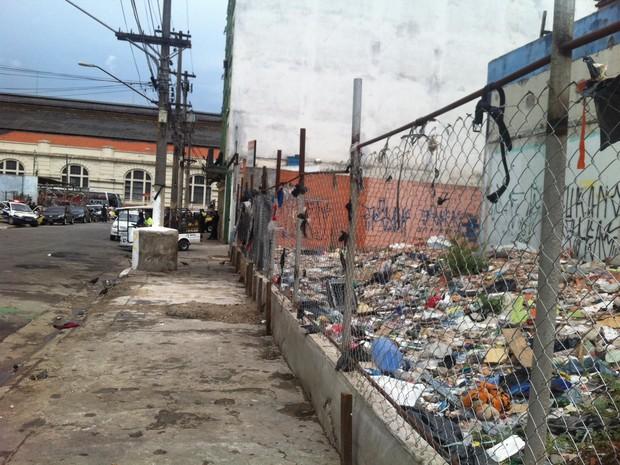 Trecho da Rua Helvétia desocupada nesta terça-feira (Foto: Tatiana Santiago/G1)