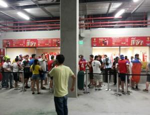 Arena das Dunas - Bares ficaram sem comida e torcedores reclamaram durante o jogo entre Gana e EUA (Foto: Jocaff Souza/GloboEsporte.com)