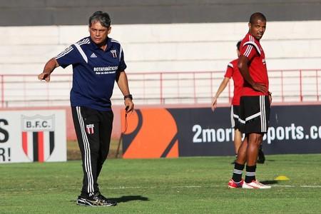 Técnico Marcelo Veiga, do Botafogo-SP (Foto: Rogério Moroti/Ag. Botafogo)
