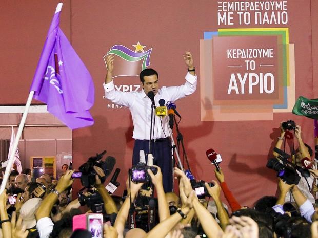 Alexis Tsipras comemora após vitória de seu partido, o Syriza, na Grécia (Foto: Alkis Konstantinidis/Reuters)