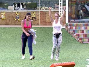 Aline comemora após prova do líder (Foto: BBB / TV Globo)