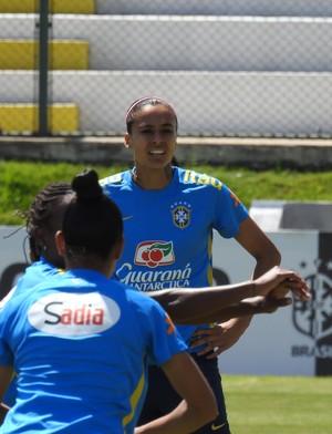 Andressa Alves durante atividade (Foto: Cíntia Barlem)