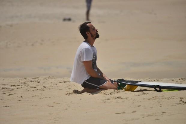 Paulo Vilhena surfa na Prainha (Foto: Dilson Silva / AgNews)