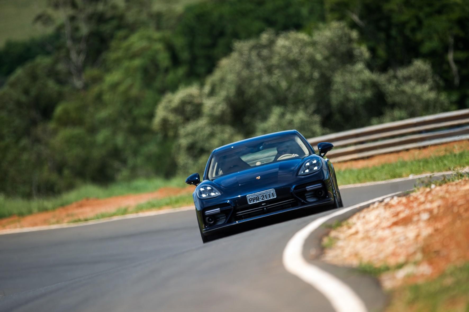 Porsche: feito para deslizar na pista (Foto: Divulgação)
