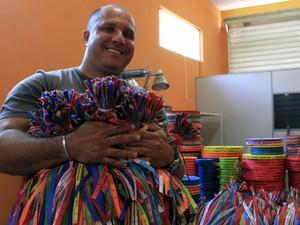 Comércio de Aparecida aposta que 'simpatia' do Papa ajude nas vendas (Foto: Carlos Santos/G1)