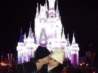 Beijo do príncipe? Natália Guimarães recebe o carinho de Leandro