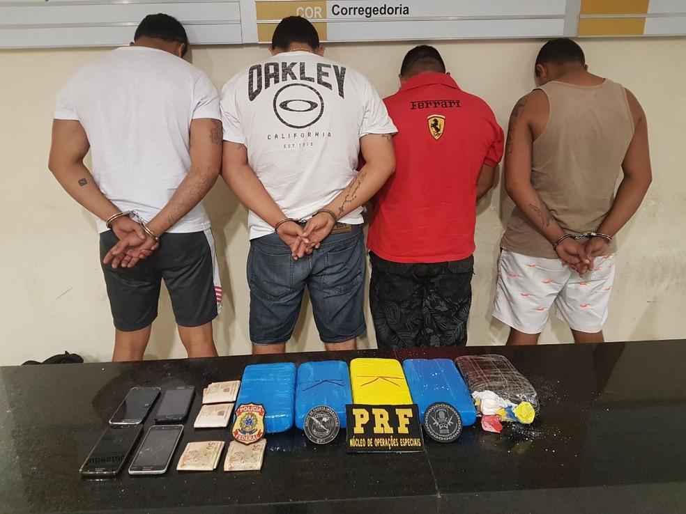 Homens são presos em Croatá e Fortaleza e 5kg de pasta de cocaína são apreendidos (Foto: PRF/ Divulgação)