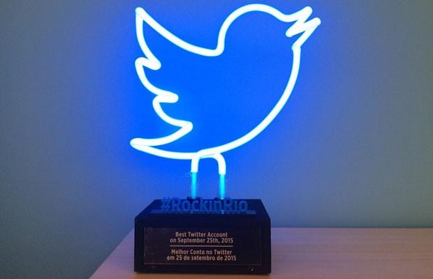 Troféu que o Twitter dará a bandas que tocarem no Rock in Rio e mais bombarem na rede social. (Foto: Divulgação/Twitter)