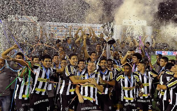 Botafogo campeão carioca 2013 (Foto: Satiro Sodré / Agif)