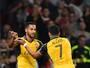 De Sánchez para Walcott: dupla funciona e dá vitória ao Arsenal