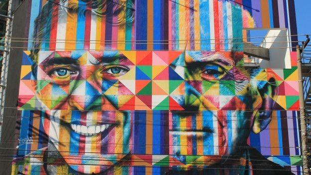 O desenho hiper-realista sobre um fundo colorido é uma das marcas registradas de Kobra (Foto: Charles Humpreys/BBC)