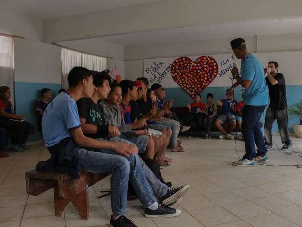 Projeto Rima Rica acontece em escolas de Viçosa (Foto: Rima Rica/Divulgação)