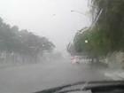 Chuva com granizo provoca queda do teto de gesso de clínica em MS