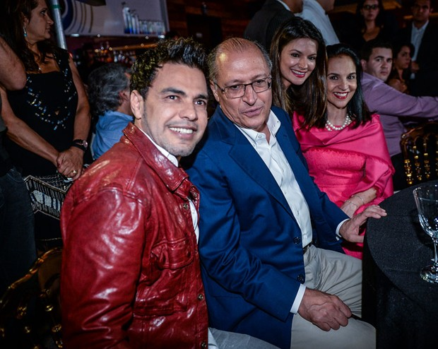 Zezé di Camargo, Governador Geraldo Alckmin com esposa e filha (Foto: Francisco Cepeda/AGNews)