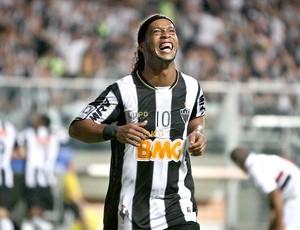 Ronaldinho Gaúcho gol Atlético-MG jogo São Paulo (Foto: Bruno Cantini / Site Oficial do Atlético-MG)