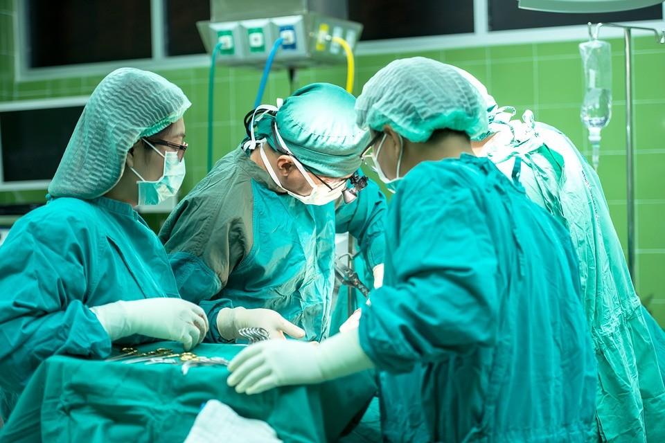 10 vídeos sensacionais para quem curte assistir a cirurgias