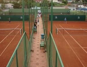 Academia de tênis em Cuiabá (Foto: Divulgação/FMTT)