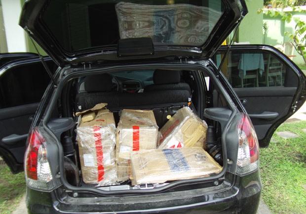 Carro com drogas em Guarujá, SP (Foto: Roberto Strauss/Arquivo Pessoal)