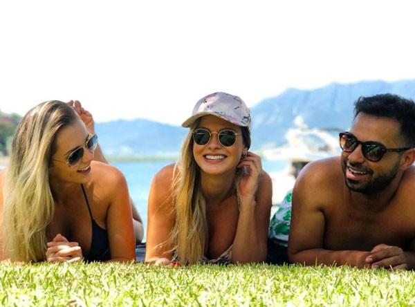 Andressa Suita com amigos em Angra (Foto: Reprodução Instagram)