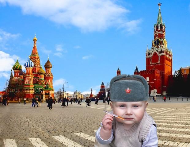 'Bebê Putin' foi parar no meio da Praça Vermelha em Moscou, na Rússia (Foto: Reprodução/Imgur/El_Mono_Rojo)