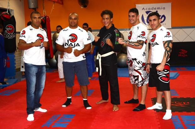 Ronald em academia de artes marciais (Foto: Iwi Onodera / EGO)