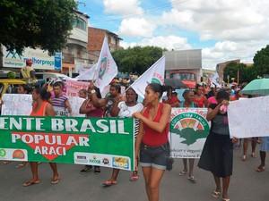 Manifestação a favor do governo Dilma na cidade de Araci, Bahia (Foto: SINTRAF Araci)
