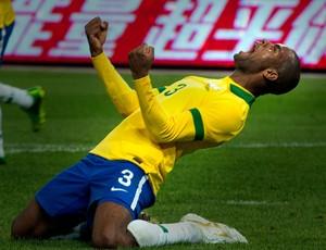 Dedé brasil gol zâmbia (Foto: Agência AP)