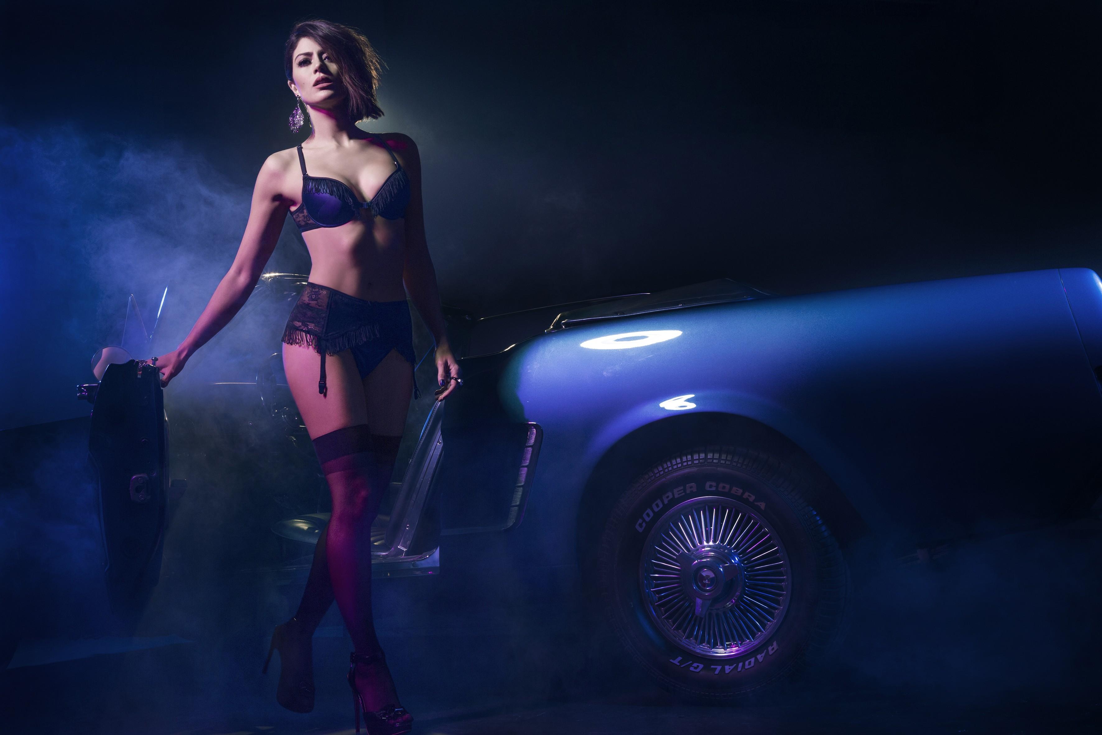 ef1d98f6343f1 Carol Castro exibe a boa forma para campanha de lingerie - Vogue