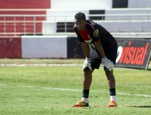 Paulo Vitor, goleiro do Botafogo-SP (Foto: Cleber Akamine / Globoesporte.com)