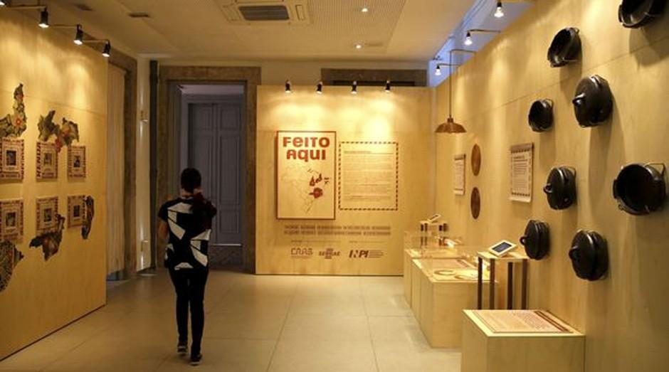 A exposição Feito Aqui apresenta oito produtos de artesanato com o selo de Indicação Geográfica (IG), concedida pelo Instituto Nacional da Propriedade Industrial (INPI), no Centro (Foto: Agência Brasil)