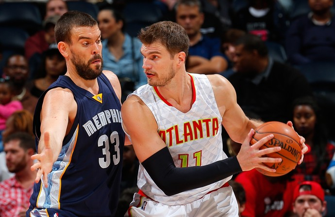 Tiago Splitter e Marc Gasol Hawks x Memphis NBA (Foto: Getty)
