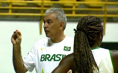 Zanon, técnico da seleção brasileira feminina de basquete (Foto: Reginaldo dos Santos/  EPTV)