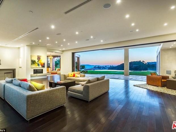 Sala de estar (Foto: Reprodução/Sothebys)