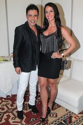 Zezé Di Camargo com a namorada, Graciele Lacerda, em festa em Uberlândia, Minas Gerais (Foto: Manuela Scarpa/ Brazil News)