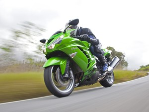 Moto; motocicleta; Ninja; Kawasaki; ZX-14R; esportiva; lançamento; Suzuki; Hayabusa; GSX1300; teste; avaliação; primeiras; impressões (Foto: Renato Durães/G1)